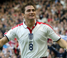 Frank Lampard 10 x 8 UNSIGNED photo - P999 - Chelsea and England footballer