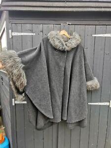 Ladies Grey Poncho Wrap Cape Faux Fur Collar