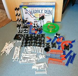 197 PIECES MECHANICAL MARBLE RUN FROM THE HOUSE OF MARBLE - LARGE.