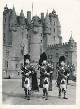 ÉCOSSE c.1950 - Joueurs de Cornemuse  Château de Glamis - Div 7691