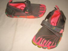 Girl's FILA Skele-Toes Gray/Pink w/Rainbow sole Water Shoes Youth Sz. 2/33.5 eur