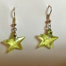 PRETTY STAR EARRINGS LIME GREEN ACRYLIC CRYSTAL AND SILVER PLATED WIRES hook