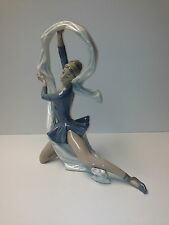 LLADRO (NAO) BALLERINA PORCELAIN FIGURINE MADE IN SPAIN (REDUCE $ 100.00)