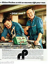 PUBLICITE ADVERTISING 096  1971  les vetements  travail garagiste Rhone-Poulenc