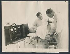 1924 RADIO KNIFE Used in BLOODLESS SURGERY Vintage Photo