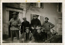 PHOTO ANCIENNE - VINTAGE SNAPSHOT - GROUPE CHASSEUR CHASSE ARME - HUNTER HUNTING