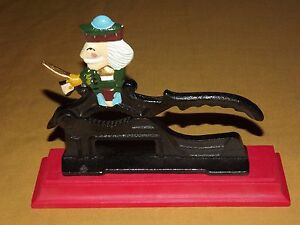 HAND PAINTED CAST IRON SOLDIER WITH SWORD NUT CRACKER NICE!