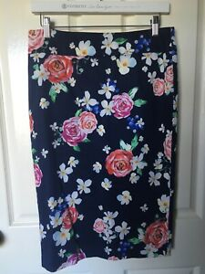 Review floral pencil skirt size 10 NWOT