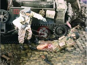 Verlinden 1/35 VP 2415 Deutscher Soldat nimmt verwundeten US Soldaten gefangen