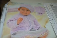 Sirdar Knitting Pattern 1617 Snuggly Bubbly Jacket Beret Shoes 0-6 yrs