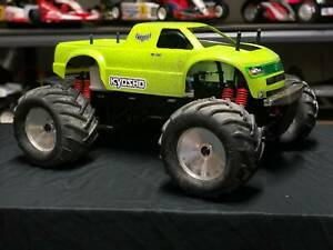 RARE VINTAGE Kyosho GIGA Crusher nitro 1/8th monster trucks projects or parts