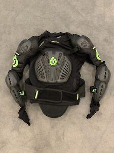 Six Six One Vapor Pressure Suit Size Large, Back Chest Shoulder Elbow Pads