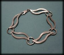 Unusual Hallmarked 925 Solid Sterling Silver Wavy 3D Chain Link Bracelet