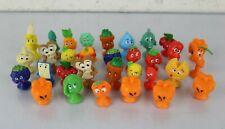 Lotto 32 Stikeez Action Figure Cibo PERSONAGGI da Collezione con Ventosa Colori