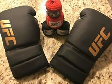 UFC 10oz. Women's Boxing Gloves with 4 FREE Everlast Hand Wraps