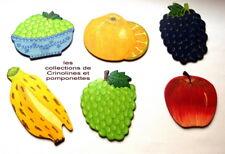 SOUS VERRES EN BOIS PEINTS A LA MAIN LOT DE 6  LES FRUITS et LES GRAPPES *