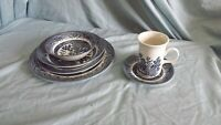 Vintage Blue Willow Churchill England 6 Piece Place Setting w/ large Mug