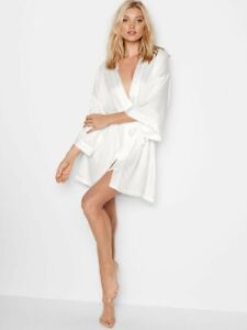 NWT Victoria Secret Robe Bride Bridal Collection One Size White Satin Feel