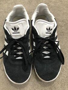Black Adidas Gazelles - Size 5.5