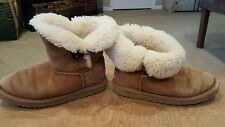 UGG Australia Kids Mini Bailey Button Chestnut Boot Girls Size 3