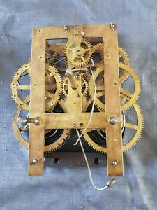 ANTIQUE AMERICAN  CHIMING CLOCK MOVEMENT 17X10CM PLATES UNTESTED
