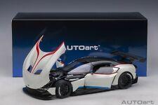 AUTOart 70261 - 1/18 Aston Martin Vulcan - Stratus White / Blue - Neu