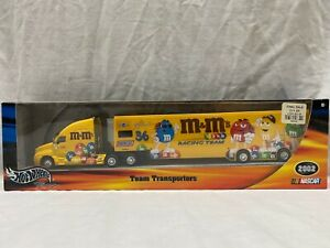 HOTWHEELS Racing Nascar - Team Transports - M & M's Racing Team
