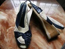 JHAY sandalias mujer talla nº 41 piel natural crema y azul ,tacón cuña preciosas