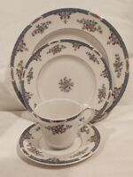 28 Piece Royal Doulton Fine China England Cotswold Dinnerware Set