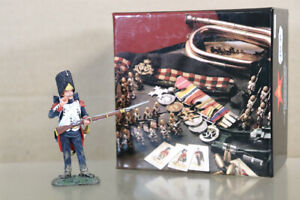 KING & COUNTRY NA373 NAPOLEONIC FRENCH OLD GUARD SOLDIER STANDING LOADING oa
