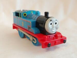 2009 THOMAS THE TRAIN #1 MOTORIZED TRACKMASTER BATTERY OPERATED #R9488