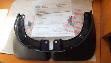 New Genuine Kia Carens 06-13 Pair rear mudflaps splash guard kit  P84601D100  B9