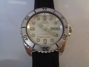 Citizen Diver Mens Watch Day & Date Automatic Orig White Dial Silicone Bracelet