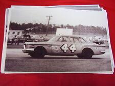 1961 1962 PLYMOUTH VALIANT # 44 RICHARD PETTY    BIG  11 X 17  PHOTO   PICTURE