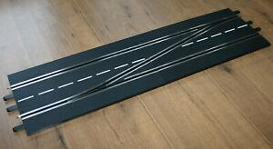 Carrera Digital 132 / 124   2 Weichen  - 1 rechts und 1 links Weiche 4 Teile