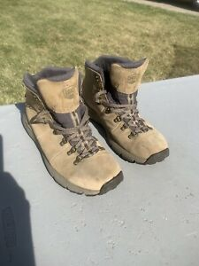 Danner Mountain 600 Waterproof Low Hiking Shoes Sand SuedeLeather Men's 13D