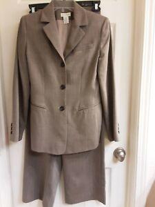 Ann Taylor , Women's Size 6, Pants & Blazer Suit, Beige, Lined, Pockets EUC