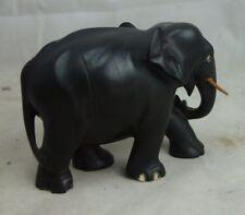 schwere Holzfigur Elefant feine Handarbeit
