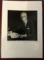 Nice Large hand signed/autographed Photo of Uk Government minister Douglas Hurd