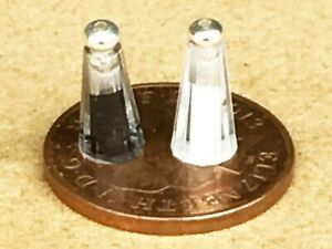 Salt & Pepper Shakers Set Tumdee 1:12 Scale Dolls House Dining Condiments 046