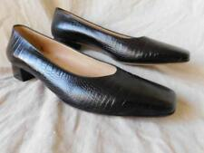 SALVATORE FERRAGAMO womens brown reptilian pumps shoes size 8 B