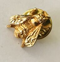 Blow Fly Small Gold Style Lapel Brooch Pin Badge Rare Vintage (R5)
