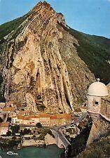 BT8632 Sisteron le rocher de la beaume et le faubourg       France