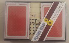 Carte da gioco e le tessere del domino da Viaggio Set-Set di carte da gioco