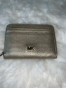 Michael Kors Mercer Small Metallic Pebbled Wallet Pale Gold Leather Wallet