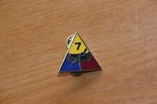 US UNITED STATES ARMY 7TH ARMORED ARMOURED DIVISION DI CREST PIN