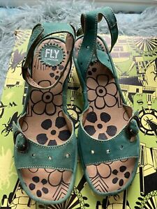 Fly London Green Leather Low Wedge Sandal Size 6/39