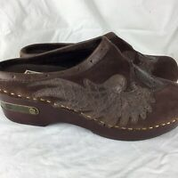 Lucky Brand Fable Suede Leather Clogs Mules Shoes Brown Peace Sign Size 6/36