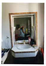 PHOTO COULEUR Photographe photographié Autoportrait miroir 1980 Appareil Caméra