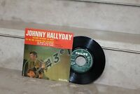 45t  / johnny hallyday - quand revient la nuit (médium 437 054 BE)